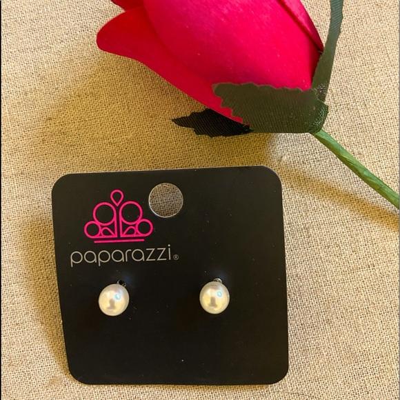 Paparazzi Pearl Earrings